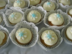 My Niece's Wedding Cupcakes (photo copyright Kathy Tremblay 6/11/11)